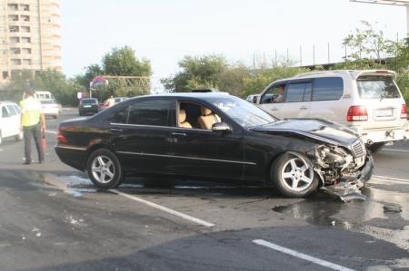 В Актау столкнулись Тoyota Camry и Mercedes