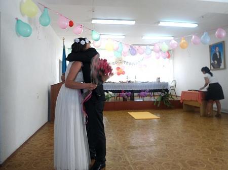 В Актау в следственном изоляторе состоялось бракосочетание