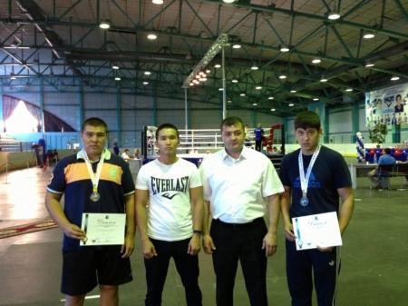 Два актауских боксера стали призерами международного турнира в Костанае