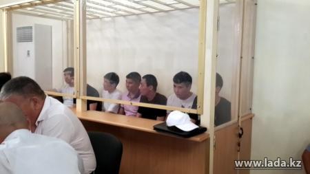 В Актау вынесен приговор жетыбайским насильникам