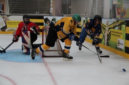 В Актау состоялась игра между хоккейными командами «КазМунайГаз бурение» и «Caspian wings»