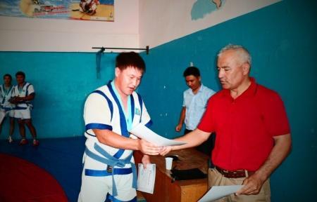 В Жанаозене прошли соревнования по казакша курес