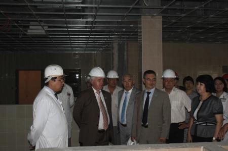 Депутаты Парламента РК посетили Мангистаускую областную больницу