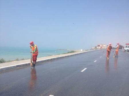 Дороги в Актау начали мыть щетками?