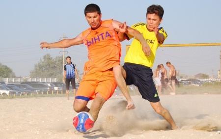 Сегодня пройдут три матча Чемпионата Мангистауской области по пляжному футболу