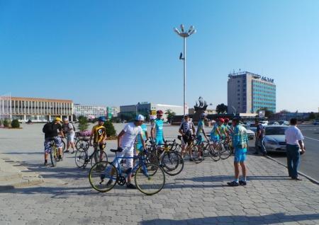 В Актау прошла велогонка