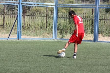 В Актау начался турнир по футболу среди молодежных команд