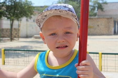 В Актау трехлетнему ребенку срочно нужны средства, чтобы вылететь на операцию