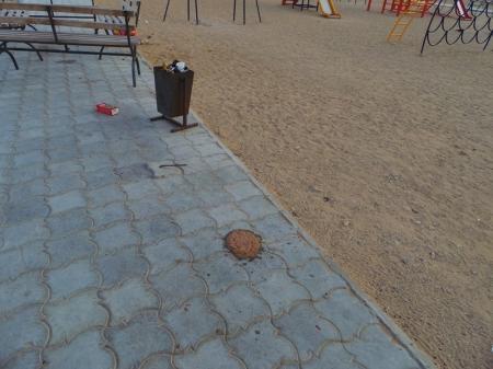 Надругательство над детской площадкой в 15 мкр. Актау