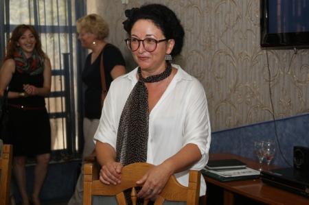 В Актау прошла презентация новой коллекции керамики Елены Григорьян