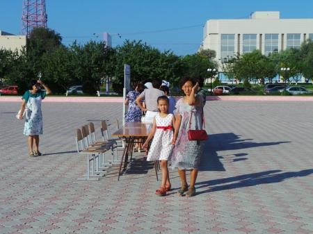 На площади Ынтымак началась благотворительная акция