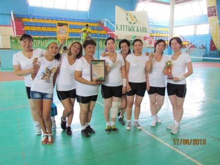 В Актау прошли соревнования по волейболу, посвященные национальной валюте тенге