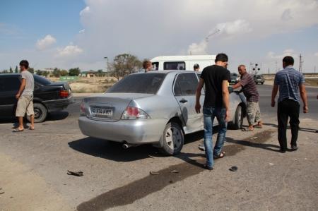 В Актау возле СК «Орбита» столкнулись три автомобиля