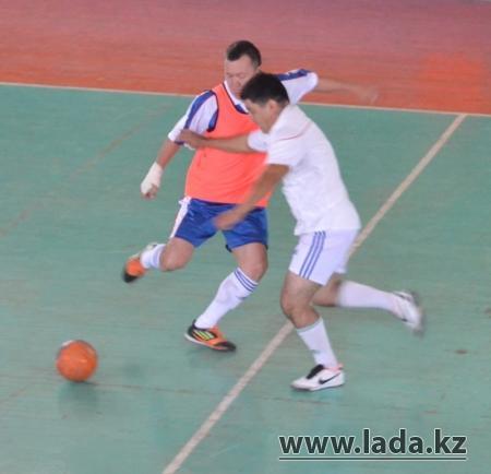 В Актау завершился чемпионат по мини-футболу, посвященный Дню конституции