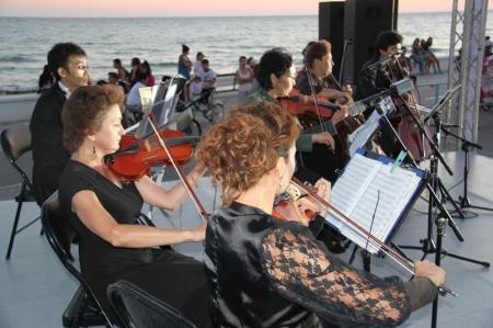 Вечер классической музыки на набережной Актау