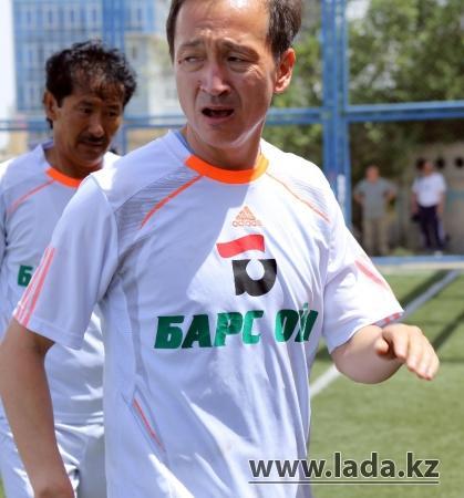 Актауские ветераны отправились в Сербию на международный турнир по мини-футболу