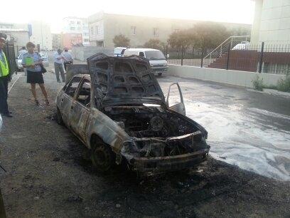 В Актау сегодня ночью полностью сгорел автомобиль Daewoo Nexia