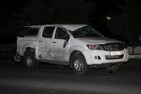 Между 14 микрорайоном и набережной Актау произошла авария в результате которой один из автомобилей перевернулся