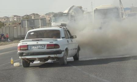 Машина на дороге загорелась? (фото)