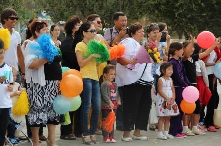 В Актау прошли соревнования «Мама, папа, я - спортивная семья»