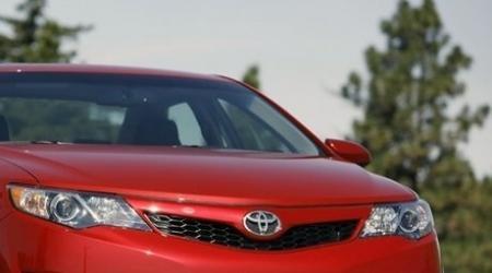 Автомобиль угнали на глазах дорожных полицейских в Алматы