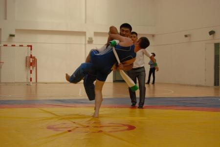 В Актау прошел турнир по башкирской борьбе куреш