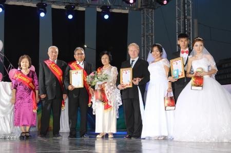 В Актау прошло чествование пар, проживших 50 лет вместе