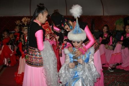 В Актау прошел концерт Тамары Асар и ансамбля танца «Жорга»