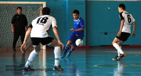 В Жанаозене стартовал Кубок по футзалу