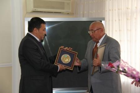 Два мангистауских предприятия удостоины звания «Лидер отрасли» 2013