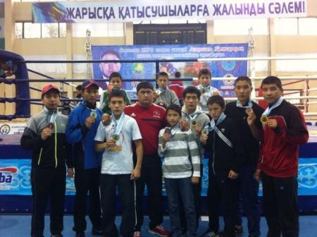 Актауские боксеры завоевали 11 медалей на республиканском турнире в Атырау