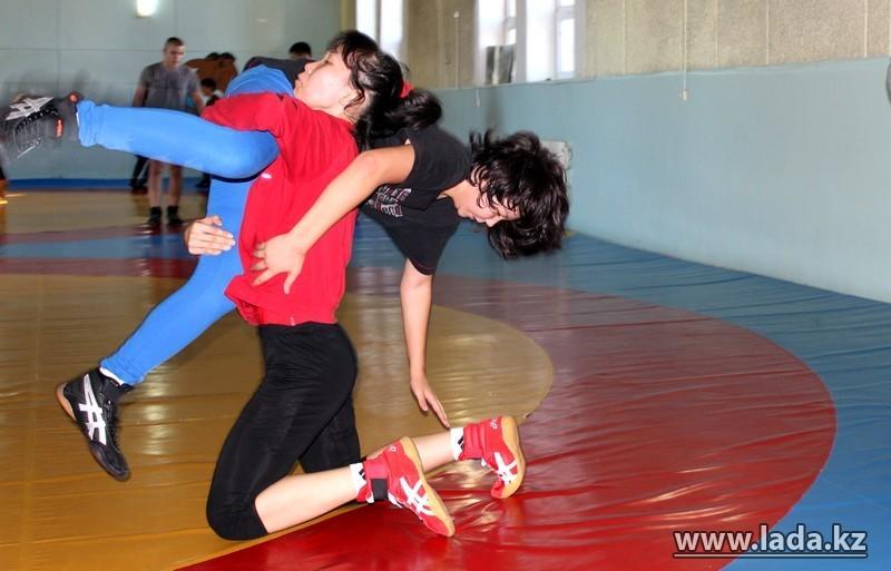 фото женская вольная борьба