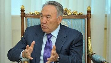 Казахстан должен сохранить русский язык, считает Назарбаев