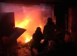 В Каракиянском районе сгорел гараж вместе с автомашиной «Мазда»