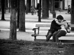 Полиция Алматы будет наказывать целующиеся парочки