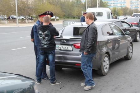 Дорожная полиция в Актау ловит неплательщиков штрафов