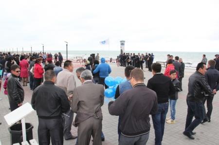 На набережной Актау торжественно открыли маяк