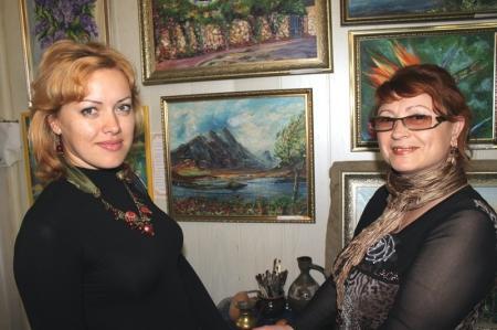 """В Актау открылась выставка картин """"Таланты студии """"Пристань"""""""