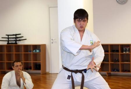 В Актауской школе айки каратэ ученики отрабатывали приемы ката