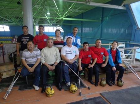 Актауские спортсмены-инвалиды завоевали семь медалей на чемпионате РК по пауэрлифтингу