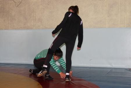 Женская вольная борьба – это, прежде всего, акробатика.