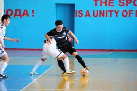 В Жанаозене на чемпионате Казахстана по футзалу определились претенденты на полуфинал