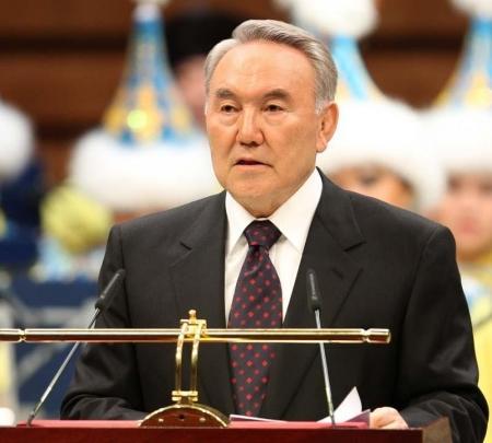Назарбаев: Казахстанцы в будущем будут стараться разговаривать на китайском языке