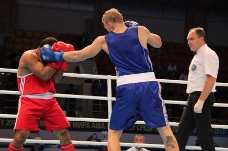 Мангистауский боксер Адильбек Ниязымбетов готовится к встрече с финном Хуканненом на чемпионате мира