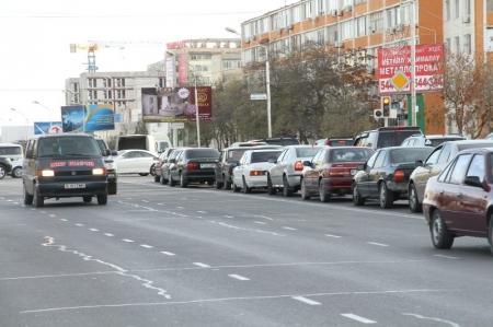 В Актау оштрафовали водителей, управляющих автомашинами с поддельными госномерами
