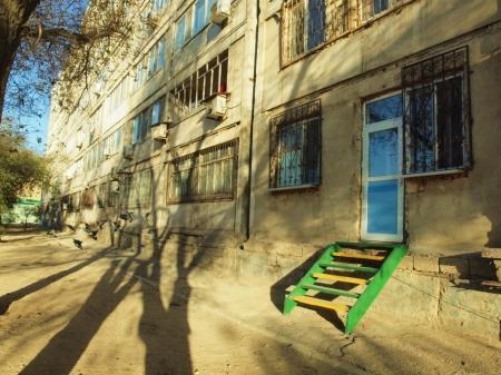 Сергей Ахмиров: Подозрительная квартира в 4 микрорайоне Актау выставлена на продажу