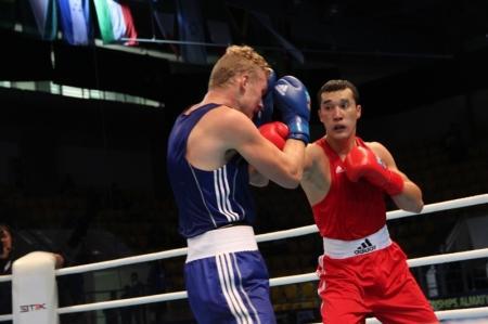 Мангистауский боксер Адильбек Ниязымбетов одержал победу над финном на чемпионате мира в Алматы