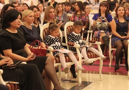 В Актау московский стилист Влад Лисовец провел мастер-класс «Стиль в большом городе»