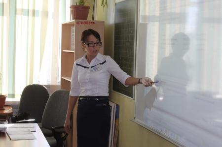 Педагоги школ Актау учились пользоваться системой электронного образования