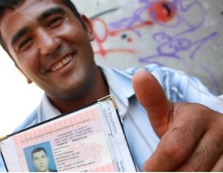 Иностранцам, постоянно проживающим на территории РК, придется заменить старые документы на документы нового образца
